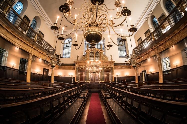 17.02.2016 Tour of Bevis Marks Synagogue with Rabbi Shalom Morris.  (C) Blake Ezra Photography 2016.
